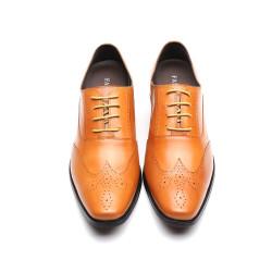 Scarpe eleganti marrone chiaro con rialzo interno